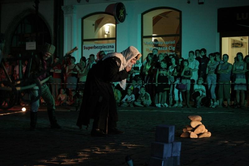 teatr-voskriesinnia-fiesta-03