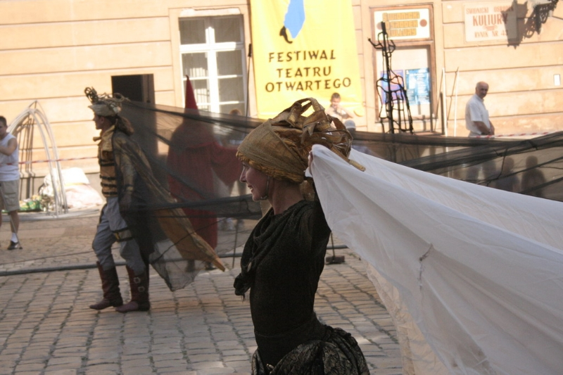 teatr-voskriesinnia-wisniowy-sad-01